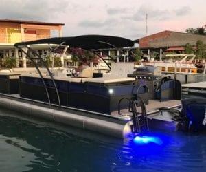 VCat pontoon 900
